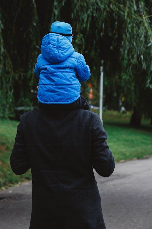 Foto stok gratis anak, anak laki-laki, ayah, ayah dan anak