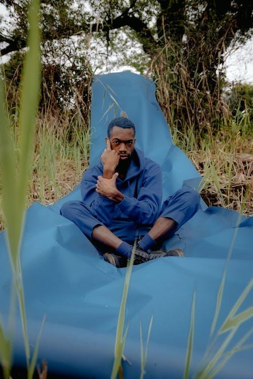 Photos gratuites de herbe, homme, homme afro-américain, homme noir