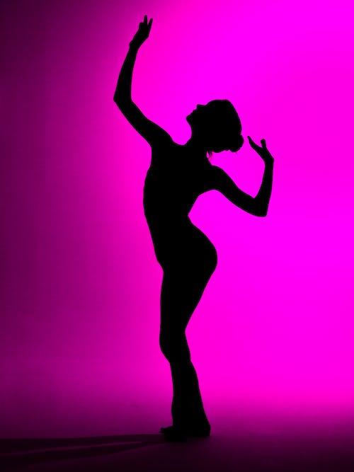 balerin, balet, dansçı, gölge içeren Ücretsiz stok fotoğraf