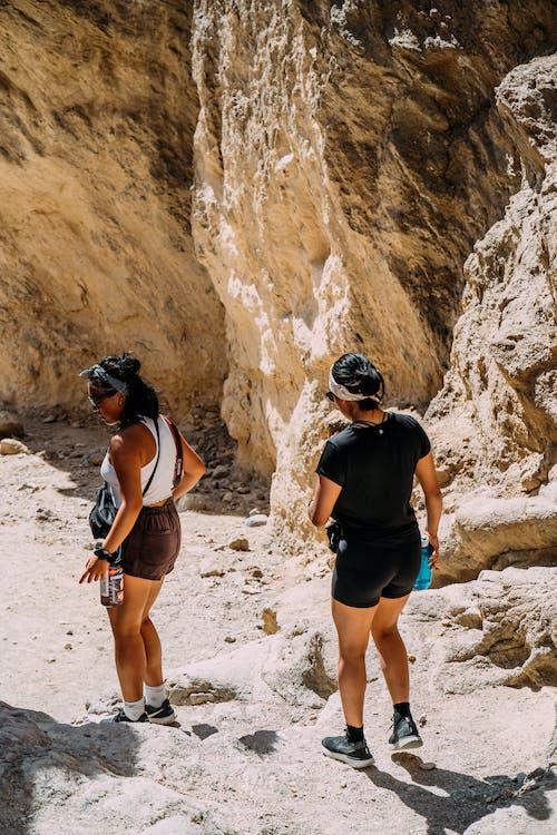 Gratis lagerfoto af eventyr, klatre, klippeklatring, kvinder