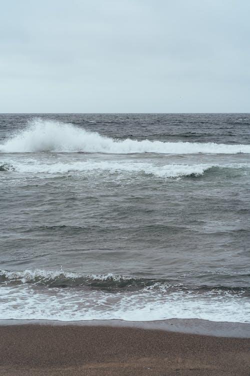 Ingyenes stockfotó árapály, csobbanás, hab, homok témában