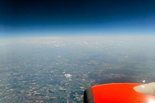 Fotos de stock gratuitas de aire, avión, cielo azul, mundo
