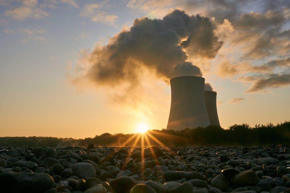 alacsony szög, alkonyat, atomerőmű