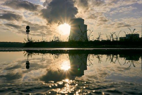Foto profissional grátis de céu, contra luz, energia, espelhamento