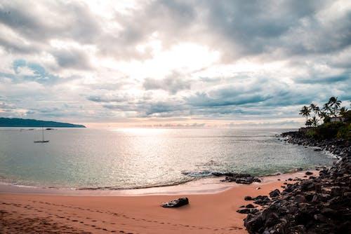 Foto d'estoc gratuïta de aigua blava, bonic capvespre, núvol, platja