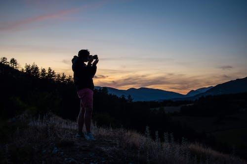 Foto d'estoc gratuïta de bonic capvespre, capvespre, muntanya, ombra