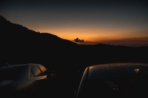 Foto d'estoc gratuïta de bonic capvespre, capvespre, cotxes, EUA
