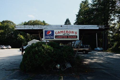 Building With Cameron's Lobster House Signage