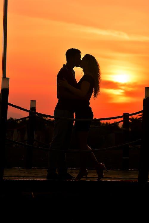 Foto stok gratis berciuman, cinta