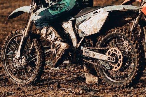 Foto d'estoc gratuïta de acció, atracció, bici, brutícia