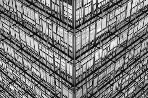 Foto d'estoc gratuïta de arquitectura, blanc i negre, contemporani, edifici