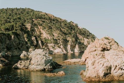 Δωρεάν στοκ φωτογραφιών με βουνό, βράχια, θάλασσα, τοπίο