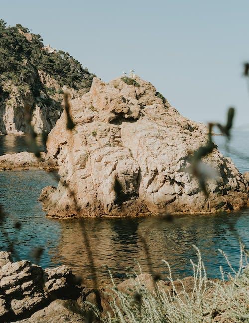 Δωρεάν στοκ φωτογραφιών με αναψυχή, βράχια, γκρεμός, γρασίδι
