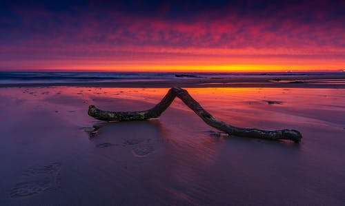 Kostenloses Stock Foto zu dämmerung, meer, meeresküste, ozean