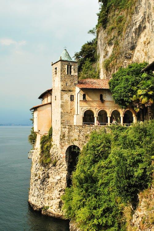 建築設計, 悬崖边缘, 懸崖, 懸崖海岸 的 免费素材照片