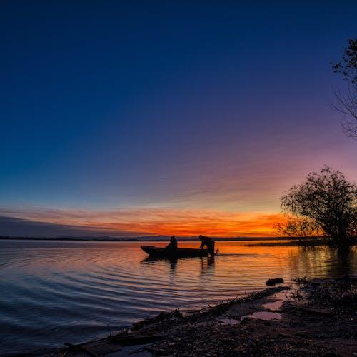 Gratis arkivbilde med båt, daggry, fartøy, fisker
