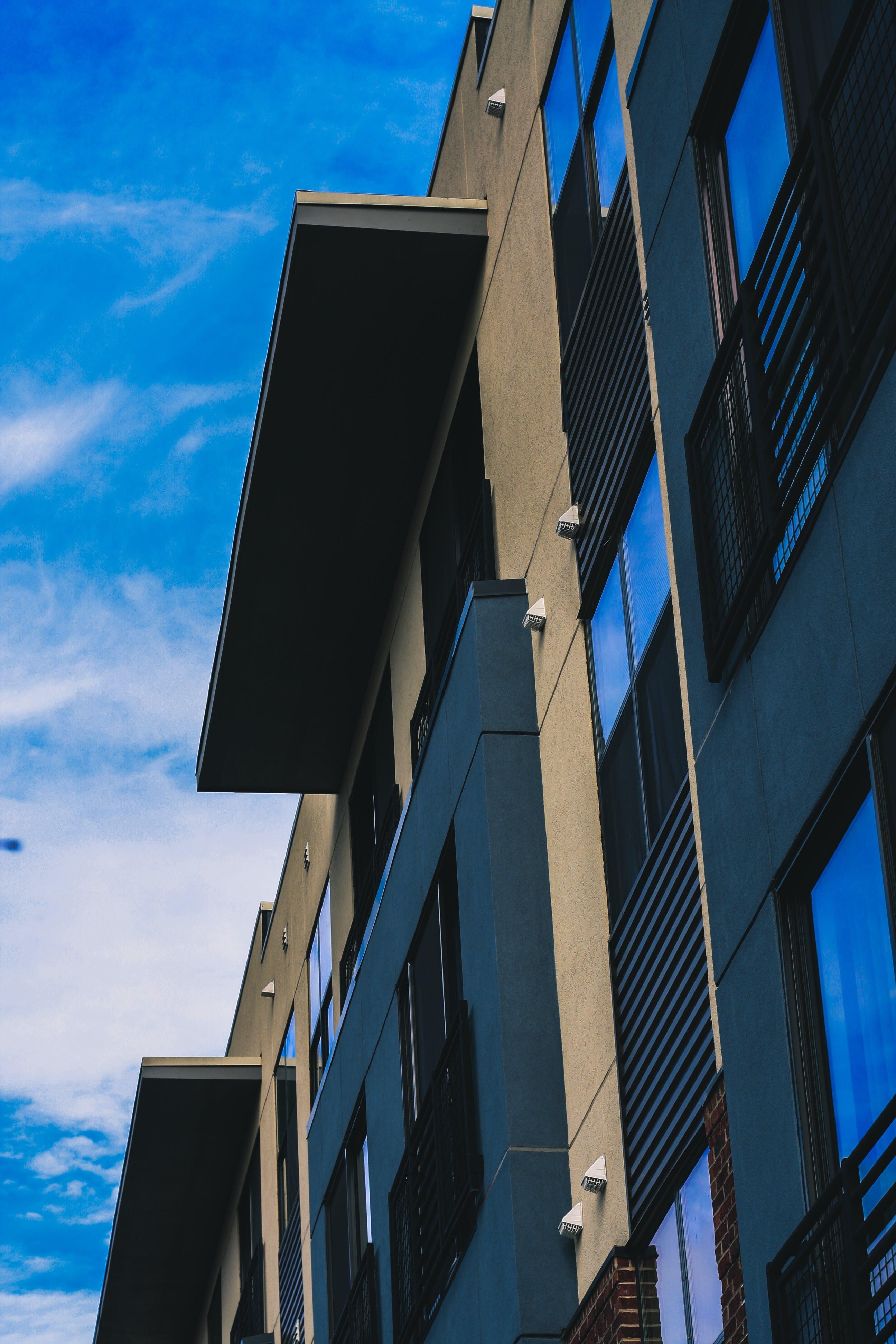 Základová fotografie zdarma na téma architektura, budova, perspektiva, záběr znízkého úhlu