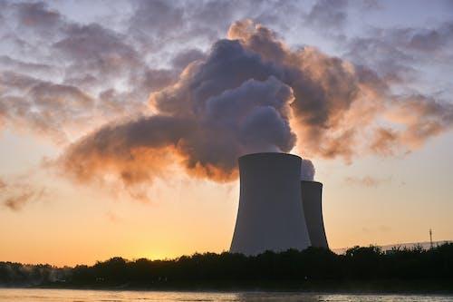 Foto profissional grátis de céu, eletricidade, energia, fumaça