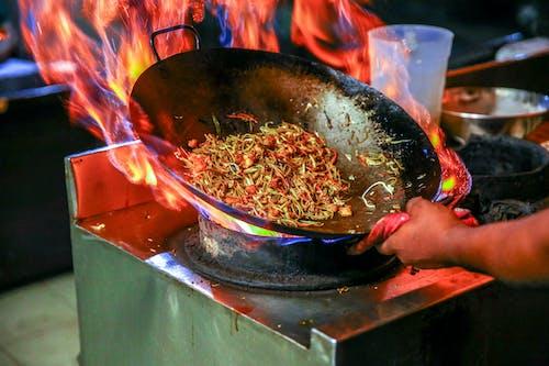 Gratis stockfoto met binnen, brand, chef, chef-kok