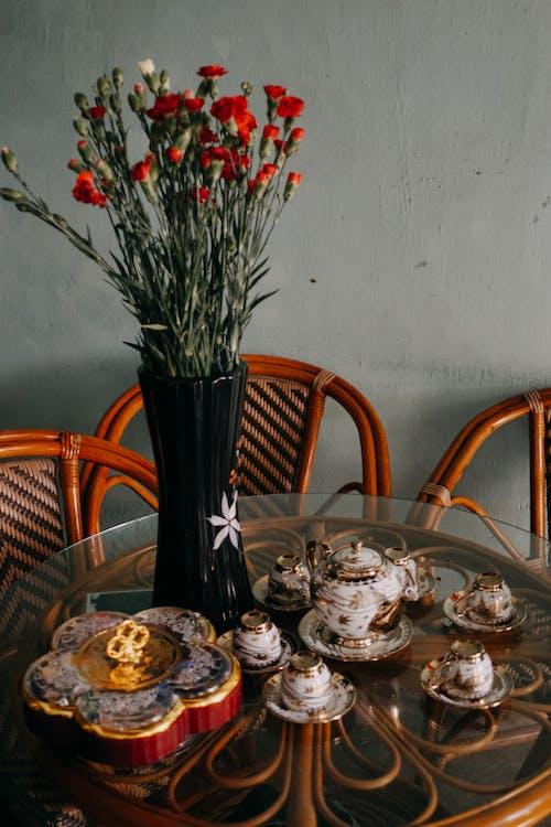 คลังภาพถ่ายฟรี ของ กระถาง, กาน้ำชา, การจัดดอกไม้, การตกแต่ง