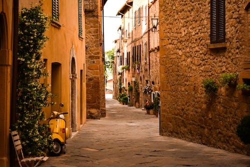 Foto d'estoc gratuïta de a l'aire lliure, arquitectura, barri antic, bonic paisatge