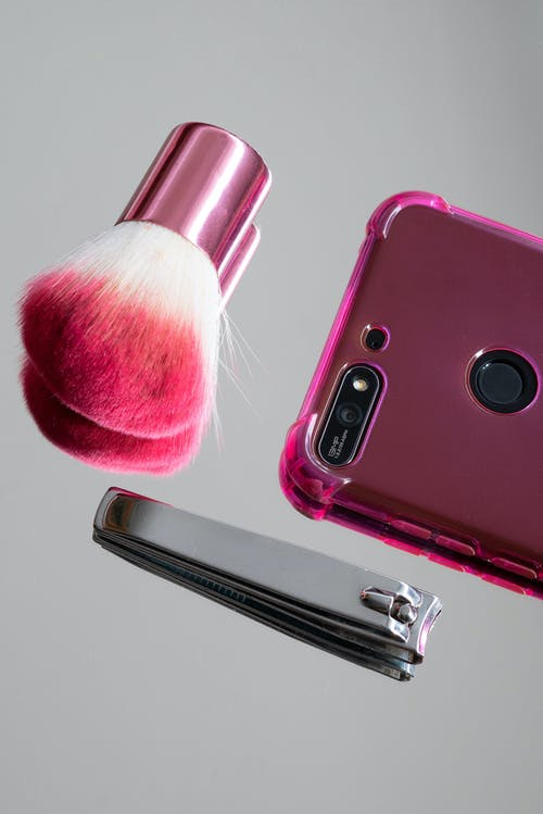 Бесплатное стоковое фото с кисточка, кисть для макияжа, косметическая кисточка, маникюрные ножницы