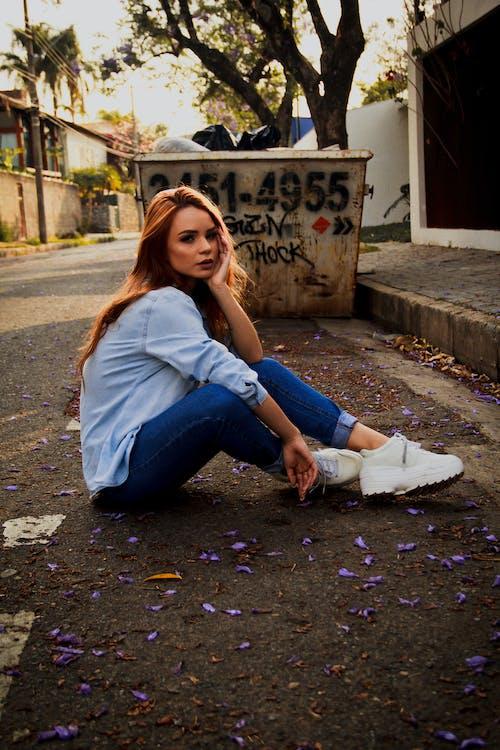 Foto stok gratis atraktif, bagus, berbayang, berfokus