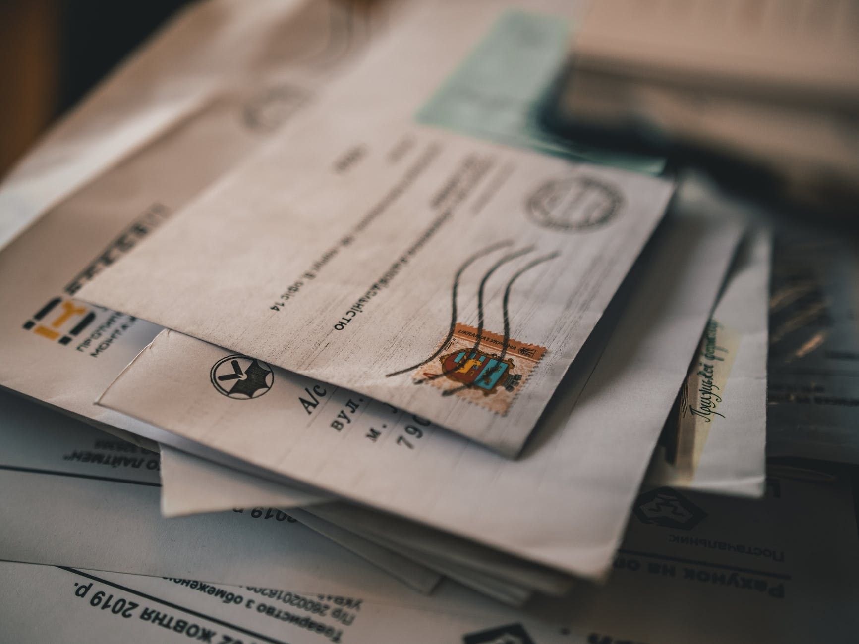 How to fill out a MoneyGram money order?