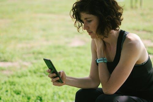 Δωρεάν στοκ φωτογραφιών με bokeh, gadget, smartphone, αιχμαλωτίζω