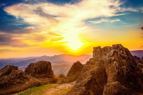 Бесплатное стоковое фото с гора, живописное небо, закат, пейзаж