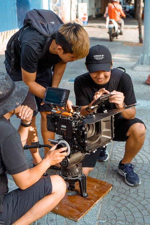 Fotobanka sbezplatnými fotkami na tému akcia, elektronika, exteriéry, filmár