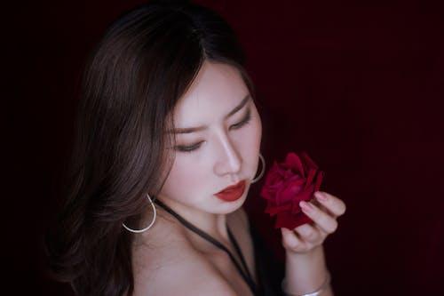 亞洲女人, 咖啡色頭髮的女人, 女人, 女性 的 免费素材照片