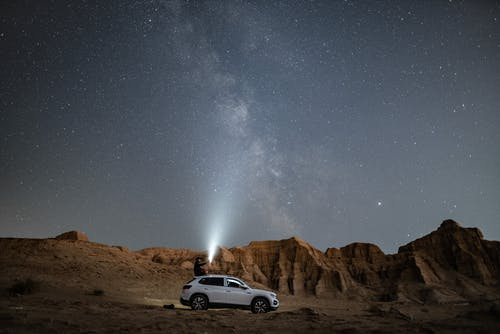 Foto profissional grátis de ao ar livre, areia, árido, carro