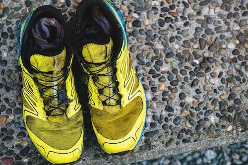 Gratis arkivbilde med jord, løpe, løpesko, maraton