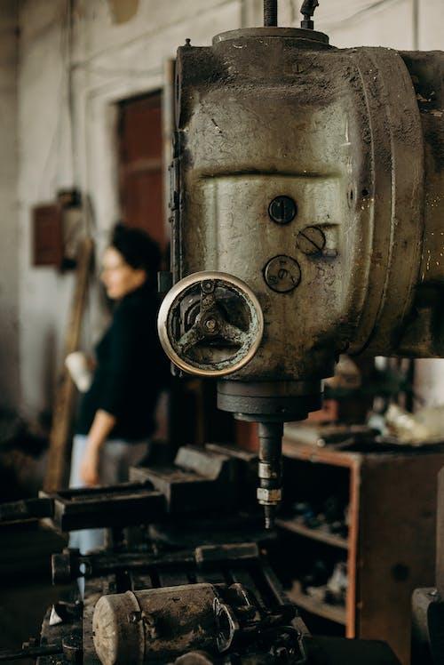 Antik, bulanık arka plan, çelik, Demir içeren Ücretsiz stok fotoğraf