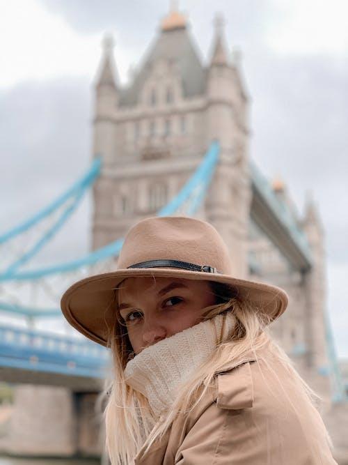 女人, 女性, 帽子, 時尚 的 免费素材照片