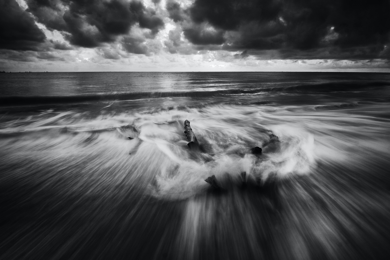 beach, black-and-white, dawn
