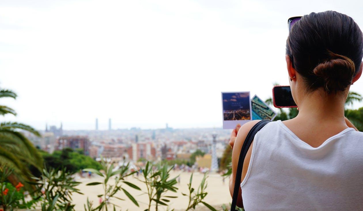 Fotobanka sbezplatnými fotkami na tému Barcelona, cestovať, dievča
