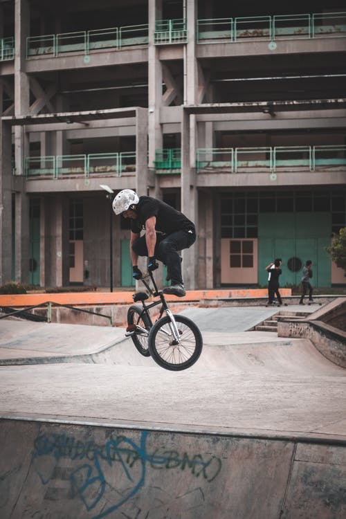 Základová fotografie zdarma na téma akce, aktivní, architektura, biker