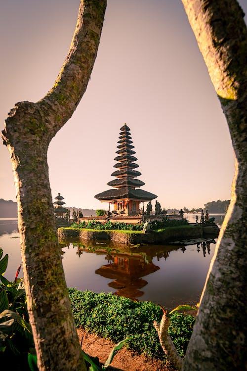 Ilmainen kuvapankkikuva tunnisteilla aasialainen arkkitehtuuri, arkkitehdin suunnitelma, arkkitehtuuri, heijastukset