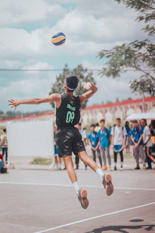 Foto profissional grátis de ação, ao ar livre, ativo, atleta
