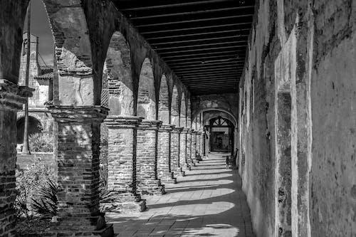 小徑, 拱形的, 磚塊, 走廊 的 免费素材照片
