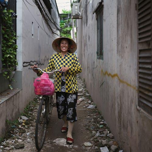 Photos gratuites de Architecture asiatique, chapeau asiatique, femmes asiatiques, jeune femme asiatique