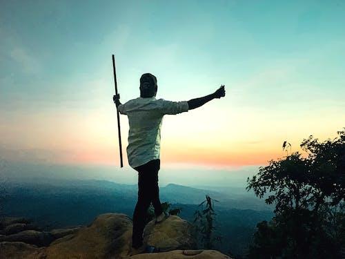 Fotos de stock gratuitas de alpinista, amanecer, cielo del atardecer, excursionismo
