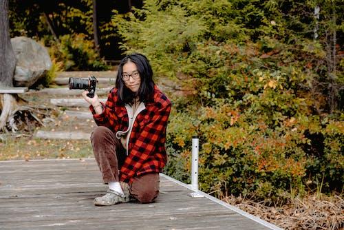 Darmowe zdjęcie z galerii z aparat, azjatka, azjatycka dziewczyna, czas wolny