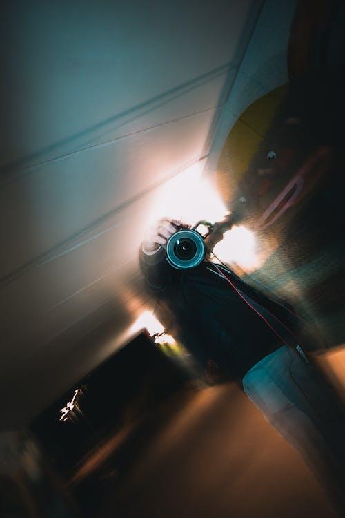 Imagine de stoc gratuită din aparat de fotografiat, concentrare, estompare, om