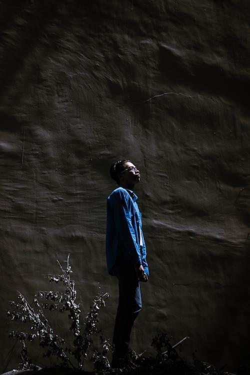 คลังภาพถ่ายฟรี ของ การถ่ายภาพบุคคล, ความมืด, ชาย, ซิลูเอตต์
