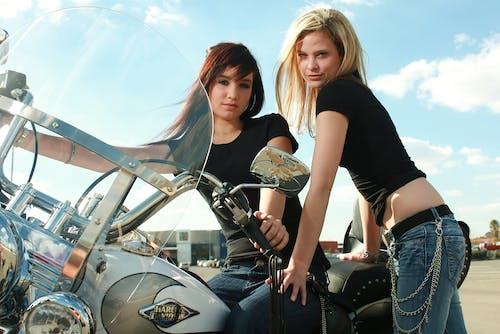 Free stock photo of best friends, bike, bike rider, friends