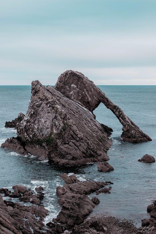 Gratis lagerfoto af bue fiddle rock, hav, kyst, Skotland