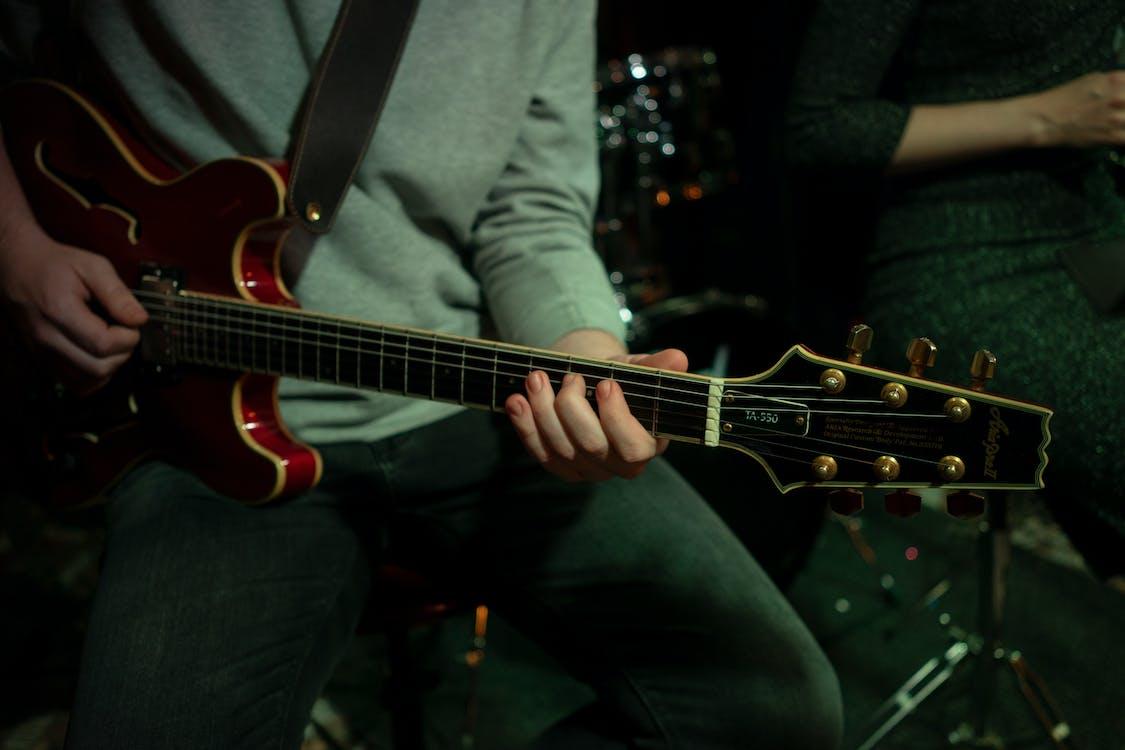 alat musik, artis, batu